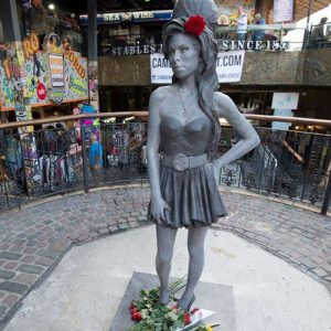 amy-winehouse-camden-town statue